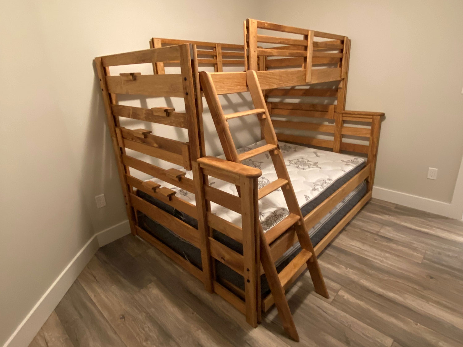 Single XL Top / Queen Bottom Bunk Bed with Single Trundle Bed